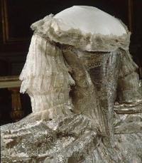Marie Antoinette's Wedding Dress - Madame Guillotine ...