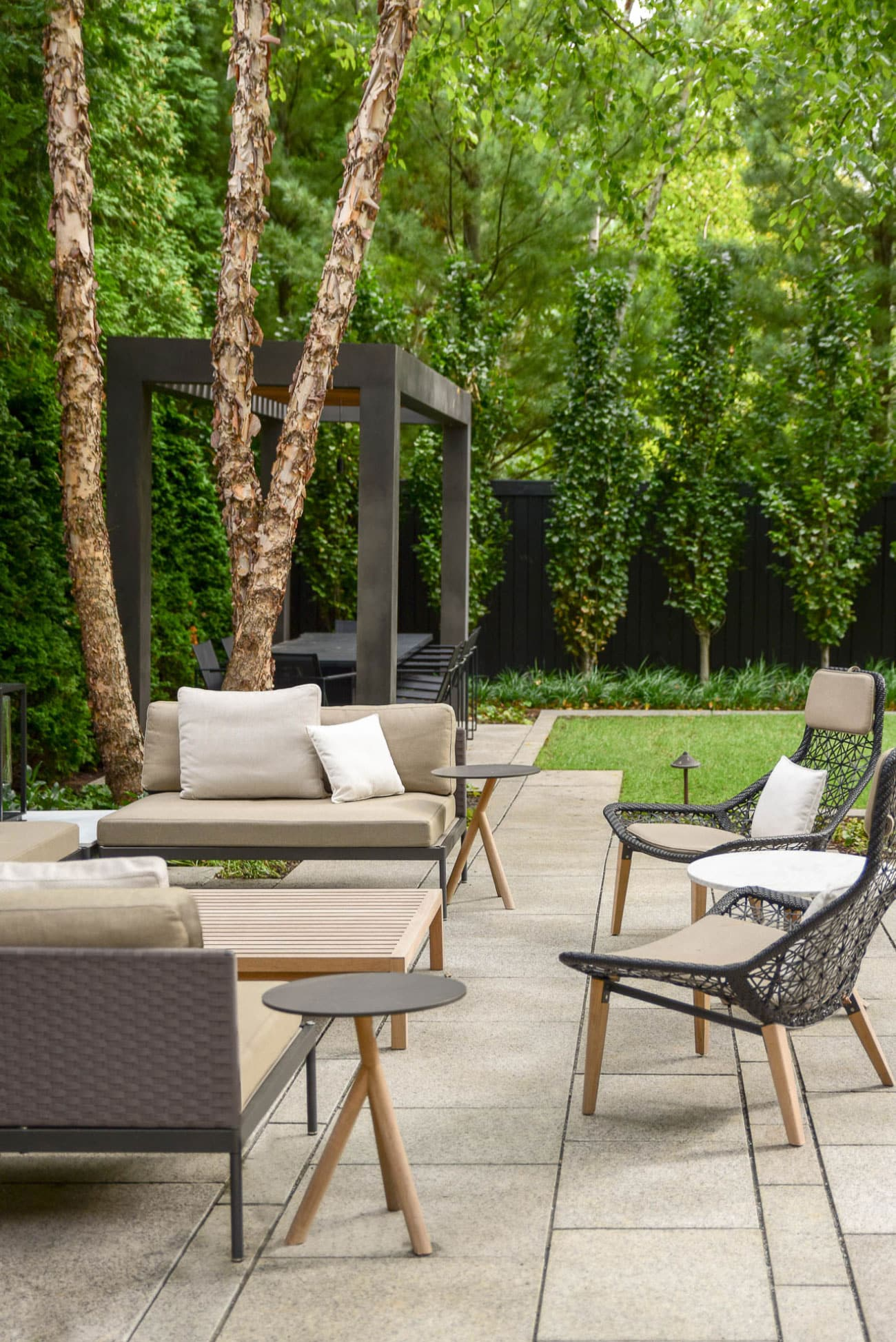Designers Of The Best Contemporary Outdoor Furniture Think Outside The Box 1stdibs Introspective