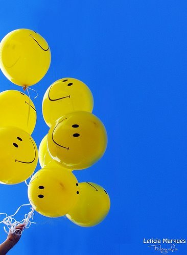Smiley Girl Wallpaper Balloon Beautiful Blue Cadima Face Image 443779 On