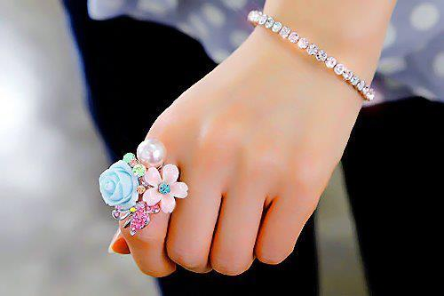 Cute Islamic Couples Hd Wallpapers Bracelet Cute Delicate Flowers Hand Image 443226 On