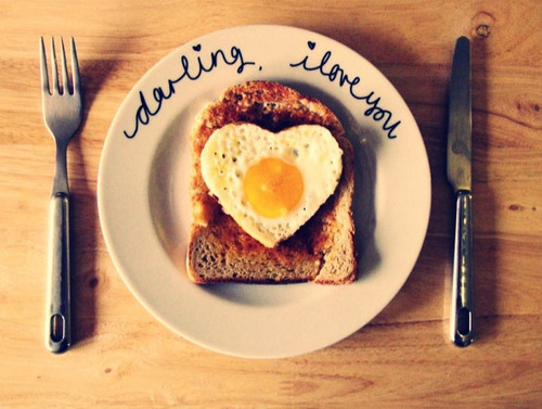 Cute Girl And Boy Hug Wallpaper Food Breakfast Heart Toast Image 470157 On Favim Com