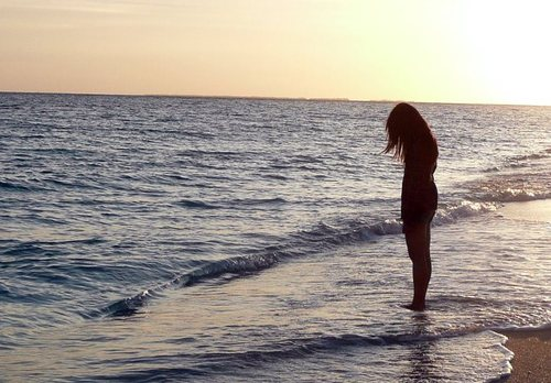 Pendy Iphone X Wallpaper Alone Barefoot Beach Endless Image 588768 On Favim Com