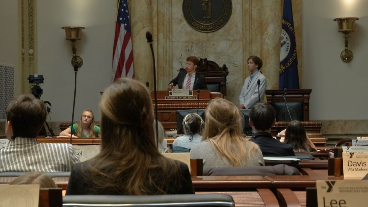 Kentucky Youth Assembly Sees Teens Act As Lawmakers