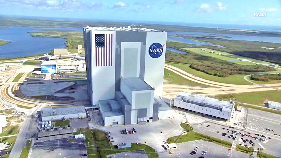 Kennedy Space Center Nasa Frustrated Over Spacex Boeing Crew Delays