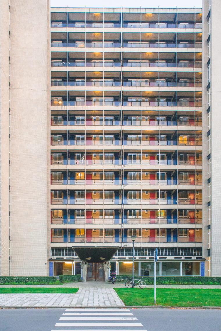 Tentoonstelling met architectuurfoto's Braemblokken