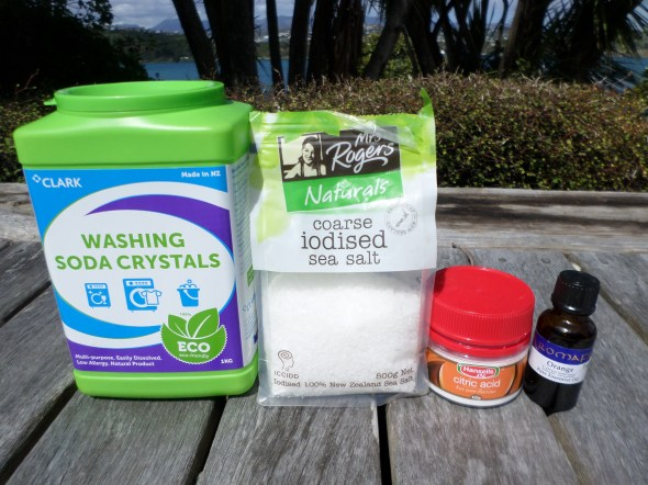 Ingredients for home-made dishwasher powder | Sacraparental.com