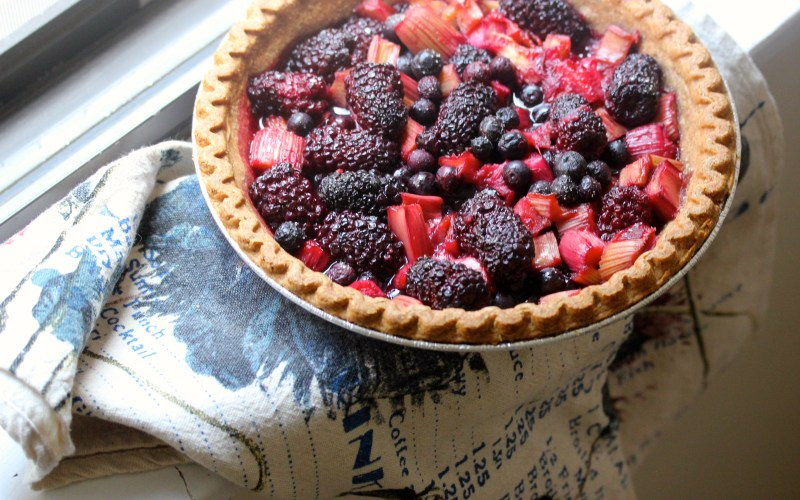 Rhubarb and blackberry pie with pink peppercorns