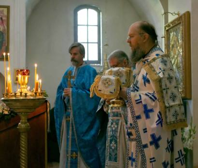 The Divine Liturgy for the Feast of the Nativity of the Mother of God. Left to right: Priest George Elliott, Abbot James, Abbot Damascene.