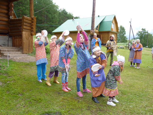 2014.07.20-29 -8Z-Russia-Ural region - Arakeeva - Child Zonal camp - The festival of the peoples of the world (dance of the Northern peoples)