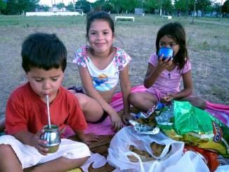Children being served, Florencio Varela, Argentina