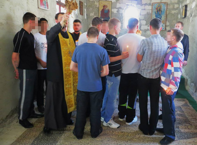 2014.06.16-8Z-Moldova-Chisinau-Service in the reformatory-Hike with the colonists in the Church