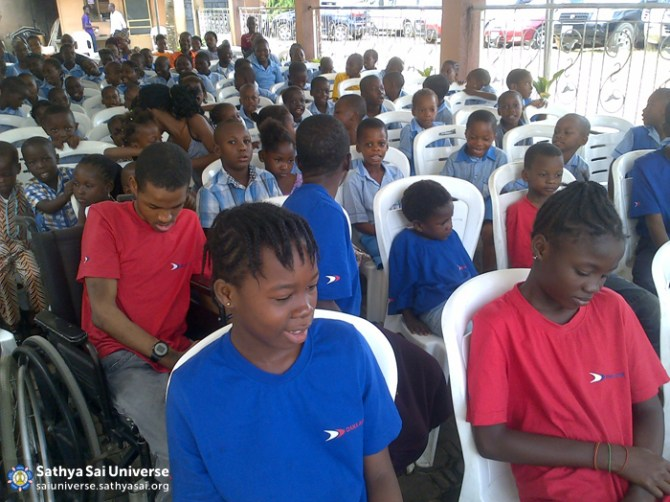 Needy children being served, Nigeria