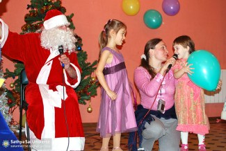 2014.12.21-8Z-Russia-Northwest region-New year Holiday-S. Petersburg-a present for Santa Claus-poems and songs