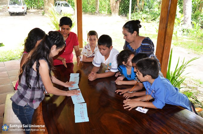El Salvador Childrens Retreat 2015-06-21 09.52.22