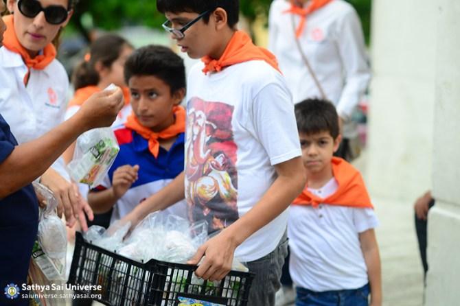 Mexico SSE Serve the needy DSC_3073