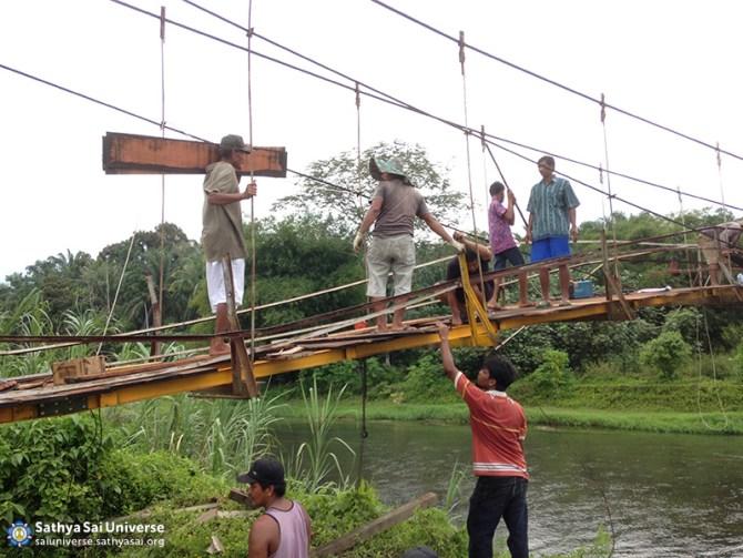 013-medan-oct-2016-bridge-repair-at-salapian-village-tanjung-langkat-north-sumatra-copy