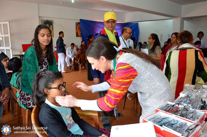 nepal-medical-camp-jun-17-dispensing-optician-kathmandu