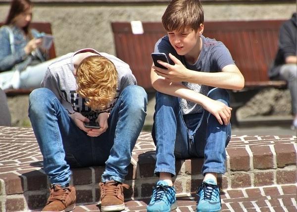 view-smartphone-attitude