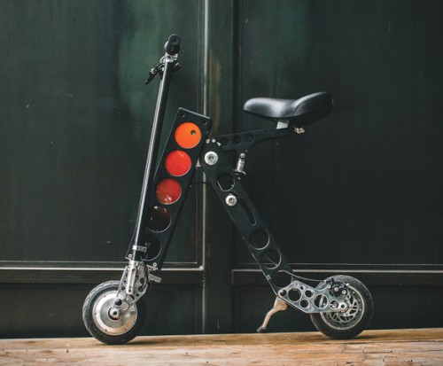 urb-e-electric-folding-scooter-4