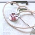 聴診器と検査結果