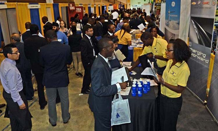 Top Questions To Ask Yourself Before You Go To A Career Fair