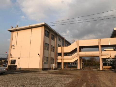 米生中学校