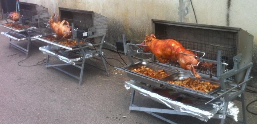 Les 7 cochons seront servis de 19h30 à 21h00