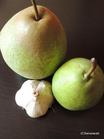 完熟にんにくと仁木町の梨