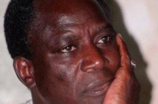 Le chanteur Thione Seck retenu en «otage» en Mauritanie… Son passeport entre autres documents confisqués … Les raisons…