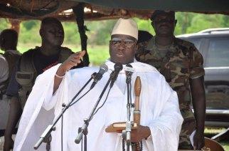 Zoom sur la Présidentielle en Gambie : les premiers résultats placent Adama Barrow devant Yaya Jammeh