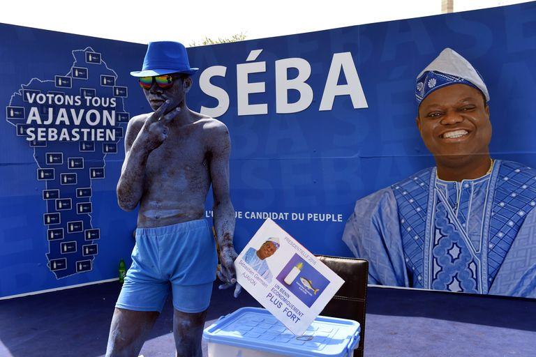 Lors de la campagne présidentielle de Sebastien Ajavon, le 3 mars 2016, à Cotonou. CRÉDITS : AFP