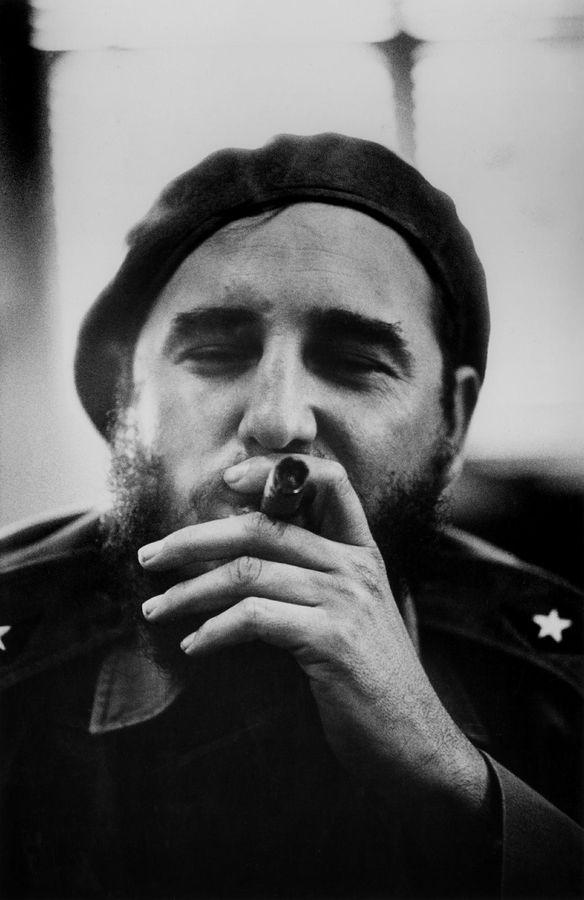 Fidel Castro lors d'une conférence de presse en 1961. Bob Henriques. Magnum Photos