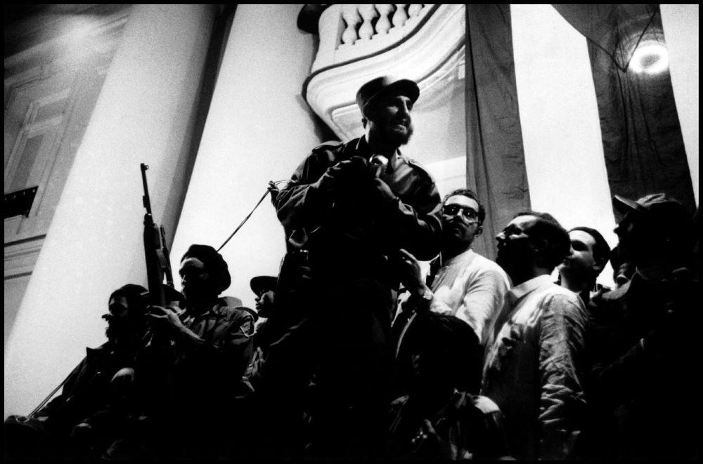 Fidel Castro s'adressant à la foule en 1959 Burt Glinn; Magnum Photos