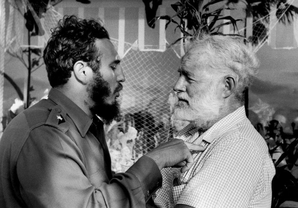 Fideol Castro et Ernest Hemingway à la Havane, en 1960. Andrew Saint-George