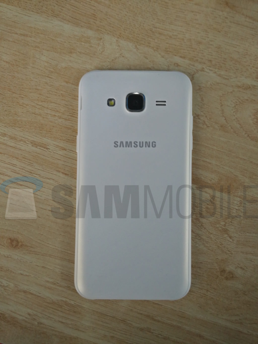Samsung Galaxy J5 2015 Exclusive Samsung Galaxy J5 Live Images And Specifications