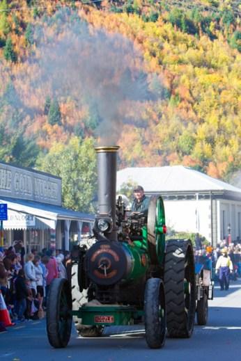 Arrowtown autumn parade