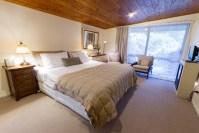 Wairua Lodge king snug room