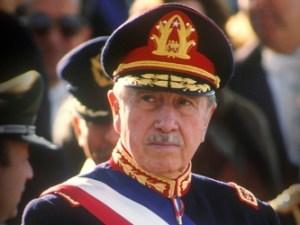 Pinochet dog 2006. År 2000, som managementcoach för internationellt företag, blev jag granne med honom i Santiago.