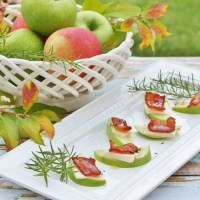 Thanksgiving Appetizers - Honey Drizzled Apple Gouda Bacon Bites