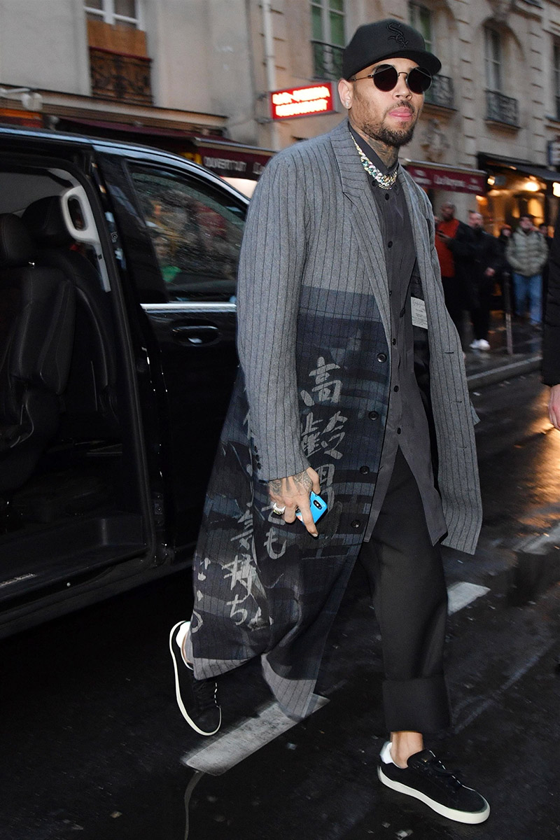 Stylish Hair Style Video Chris Brown Is All Smiles While Leaving The Mandarin