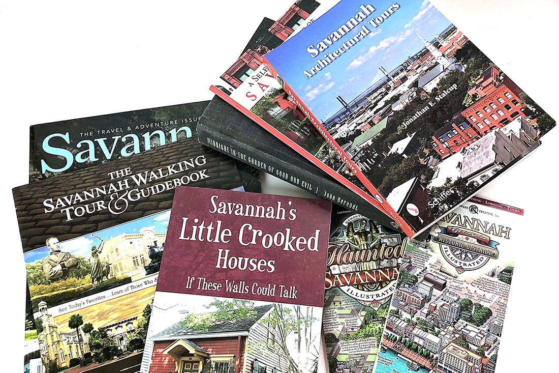 Walking Tours Of Savannah The Best Movies Books About Savannah Ga Sand Sun Messy Buns