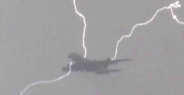 plane lightning