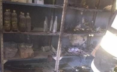 San Genaro: Incendio en una carnicería frente al cuartel de bomberos