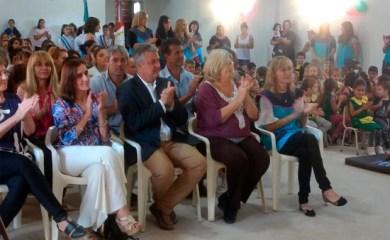 La ministra Educación Claudia Balagué visitó San Genaro