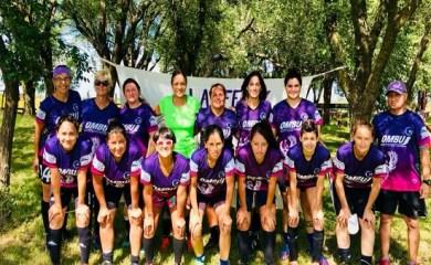 Liga Femenina de Fútbol: Las chicas de Las Parejas siguen firmes arriba