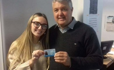 Entrega de primeras licencias de conducir en San Genaro
