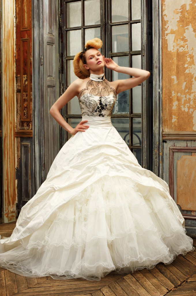 Vintage Ball Gown Wedding Dress With Black Lacesang