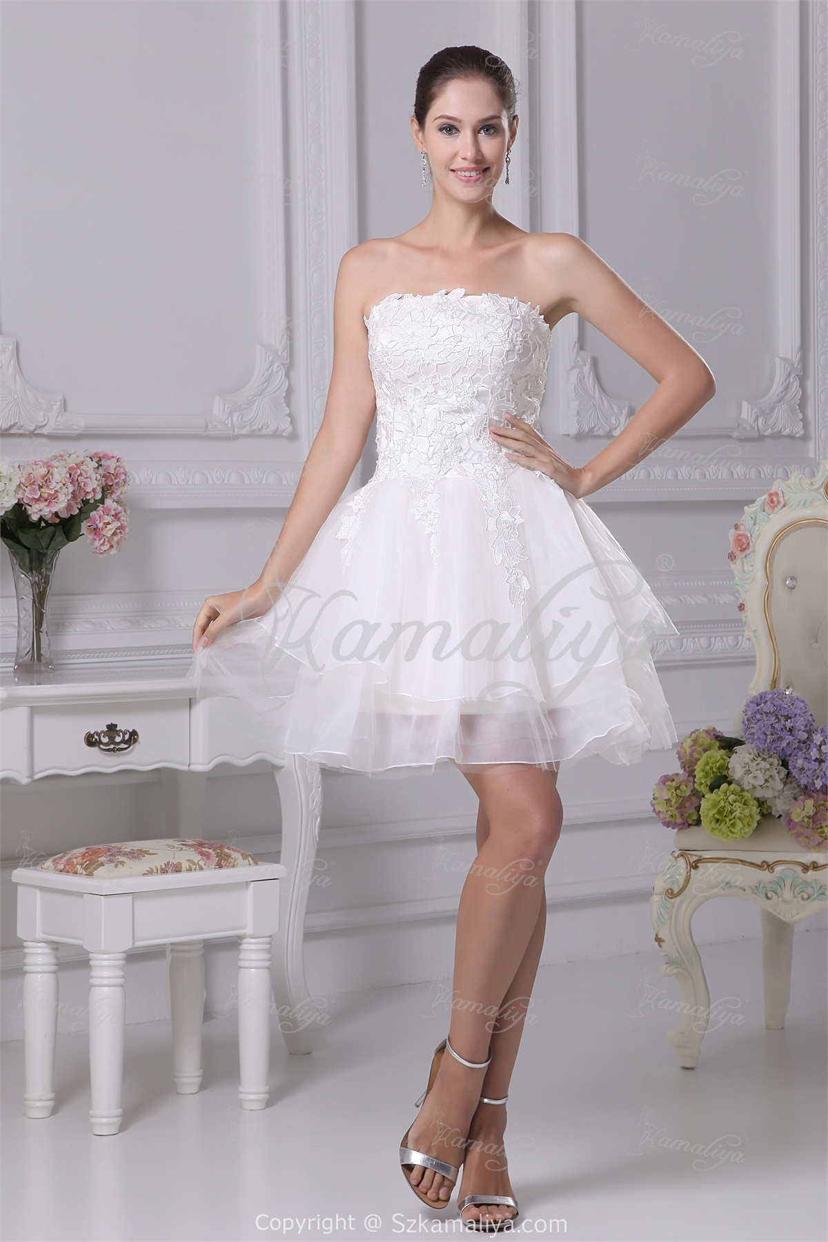 Sexy short beach wedding dress with zipper back sangmaestro for Hot dresses for weddings