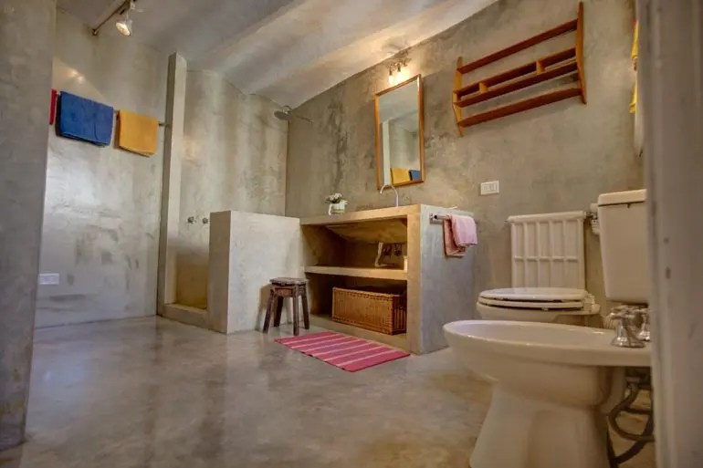 Master Bath of The Guesthouse in Buenos Aires