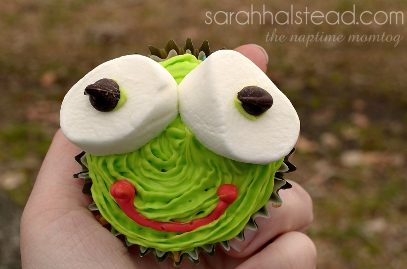 Frog Cupcakes for Leap Day